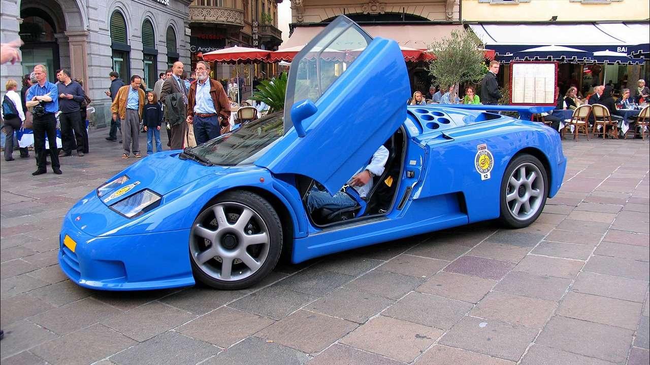 Bugatti EB 110 вид в профиль