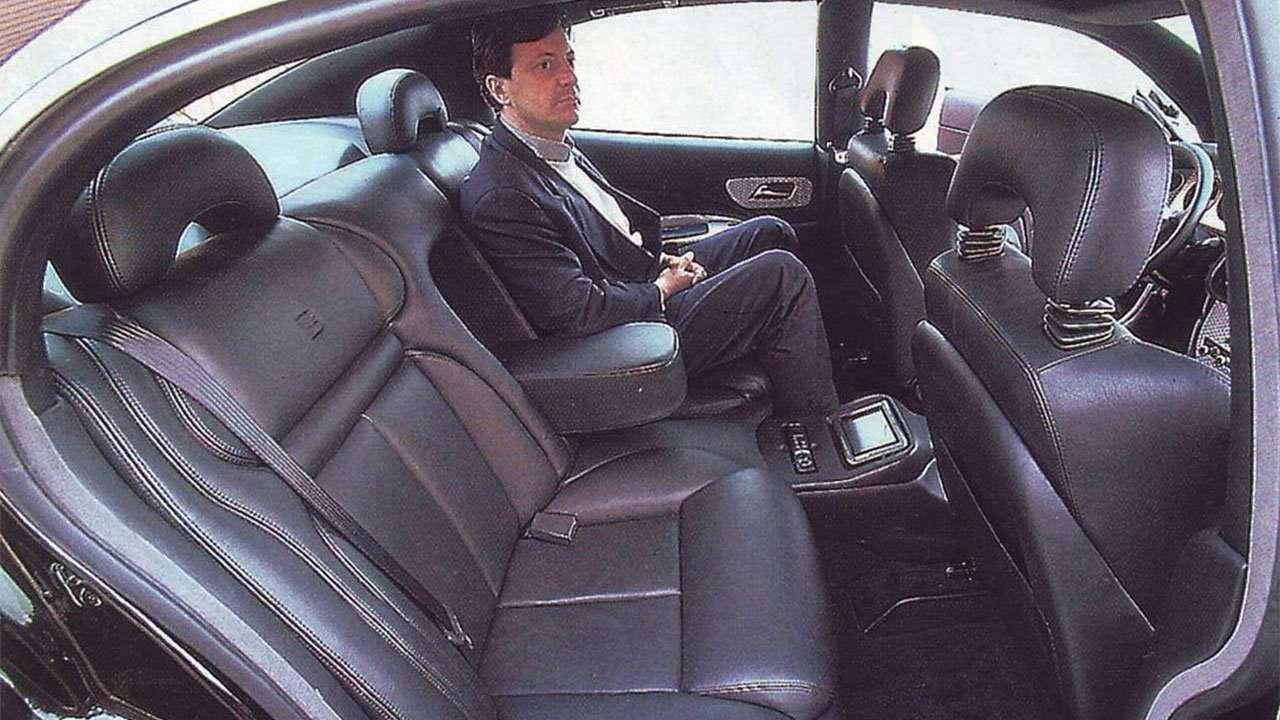 Задние сиденья Bugatti ЕВ 112