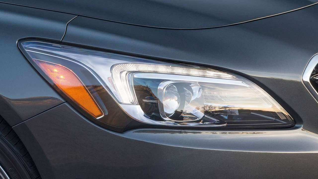 Передняя фара Buick LaCrosse 2018-2019
