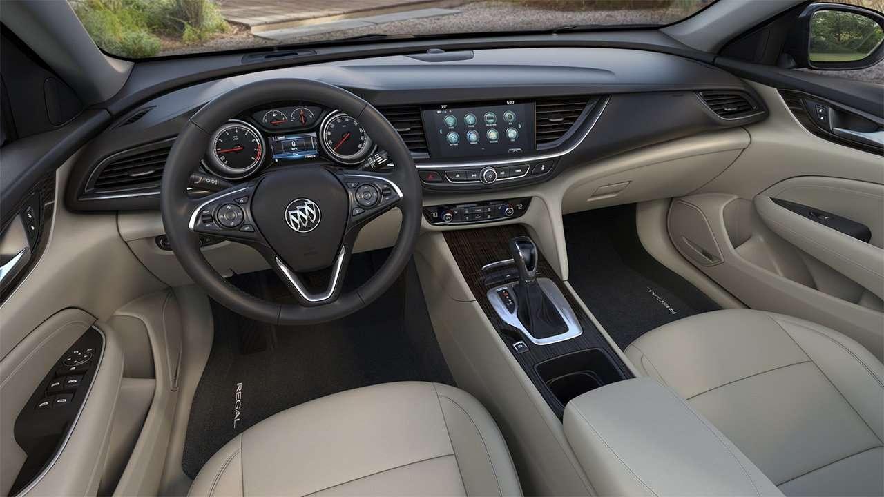 Салон Buick Regal