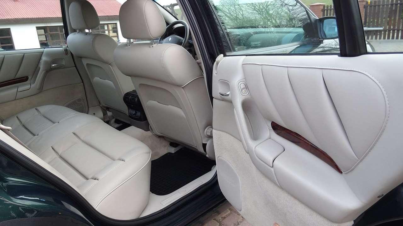 Cadillac Catera дверь