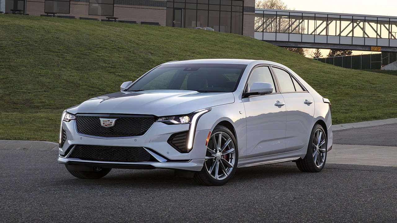 Cadillac CT4 2018-2019 фото спереди