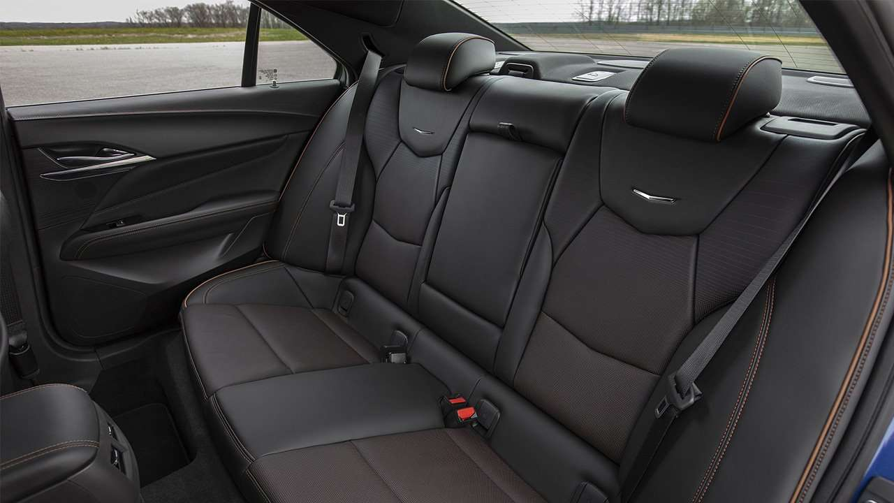Задние сиденья Cadillac CT4 2020-2021