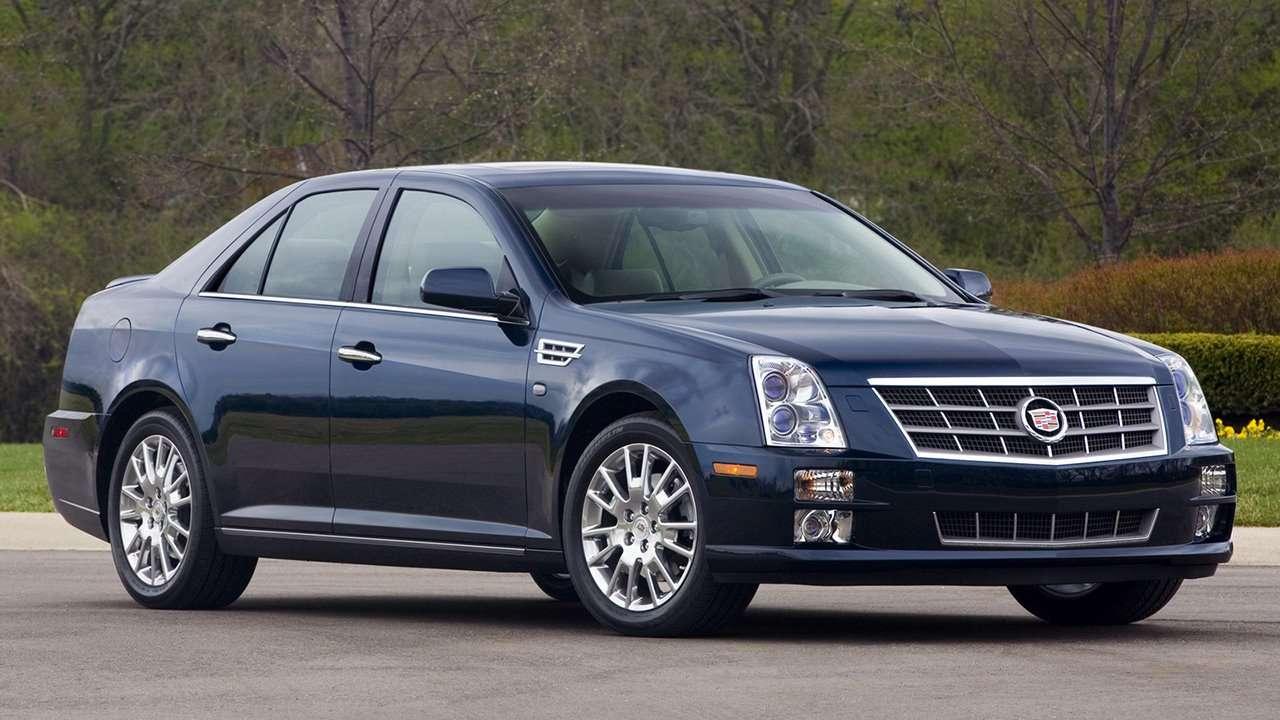 Cadillac STS фото спереди