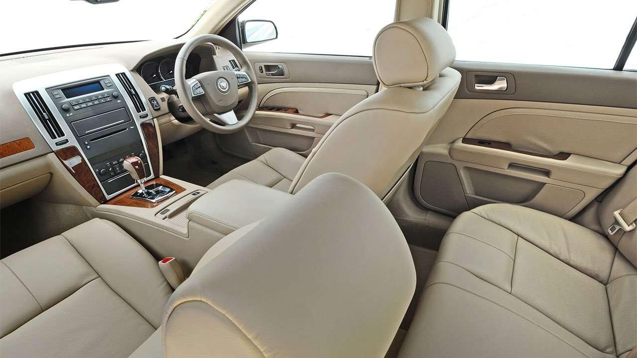Передние и задние сиденья Cadillac STS
