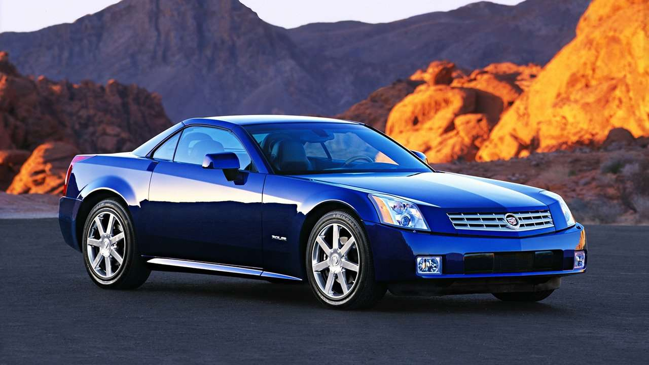 Cadillac XLR фото спереди