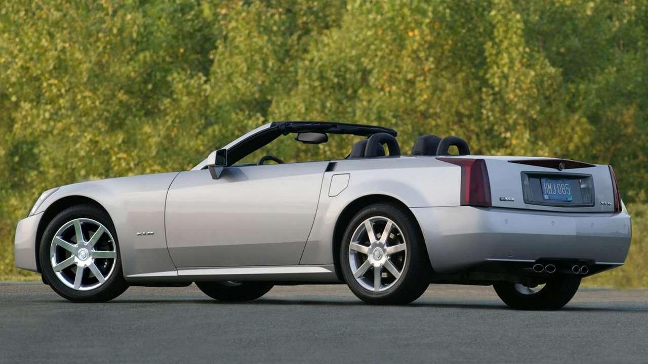 Cadillac XLR фото сзади
