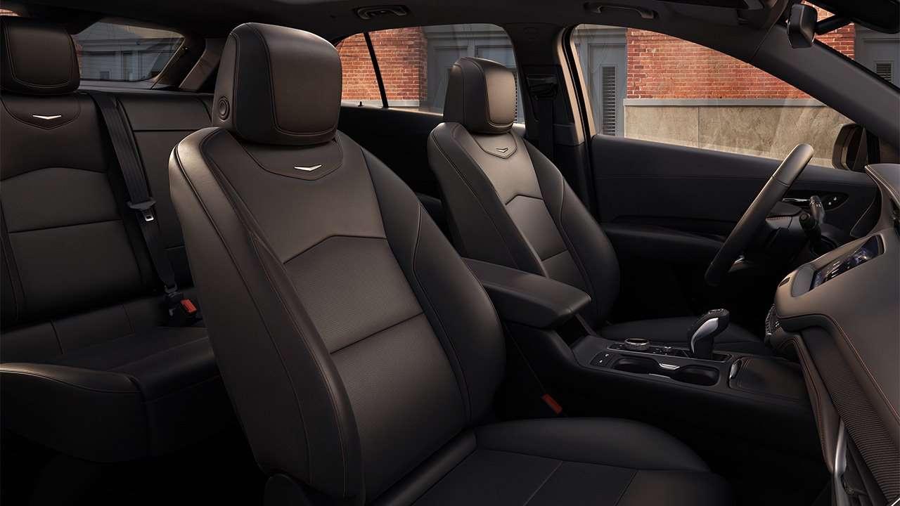 Сиденья Cadillac XT4 2020-2021