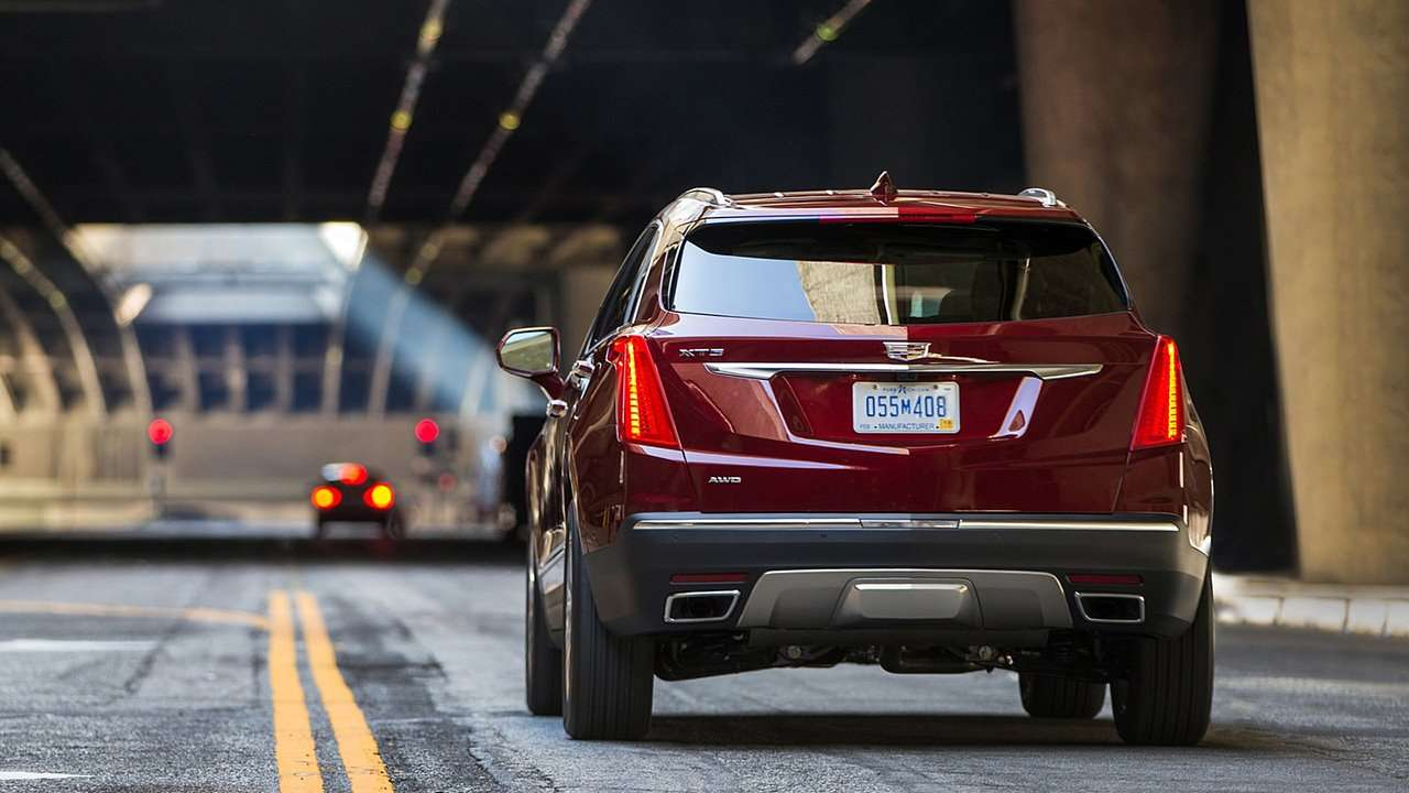 Cadillac XT5 2020-2021 фото сзади