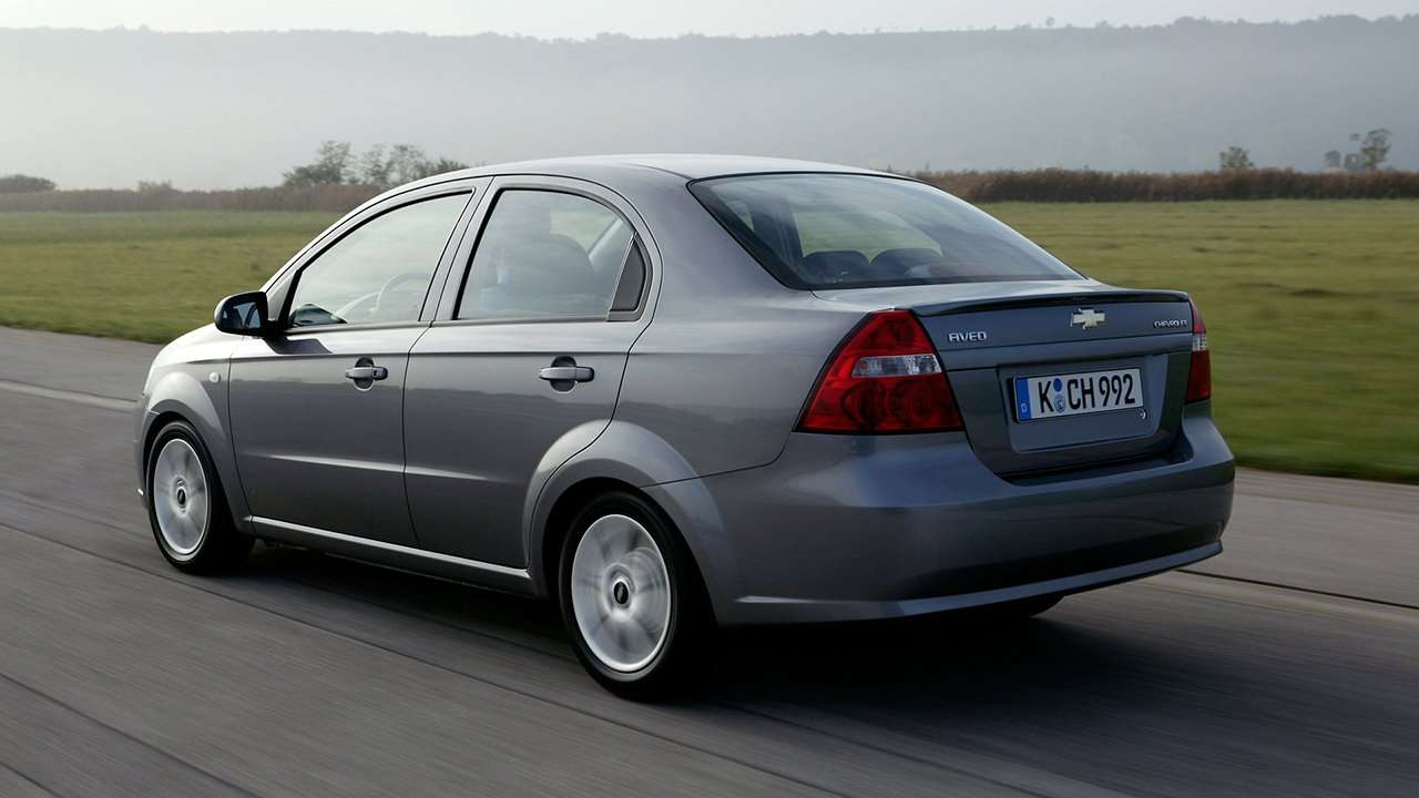Chevrolet Aveo T250 (2006-2012) фото сзади