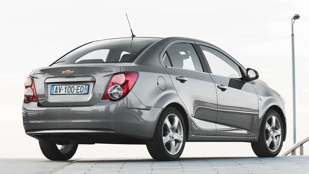 Chevrolet Aveo 2012 T300 фото сзади