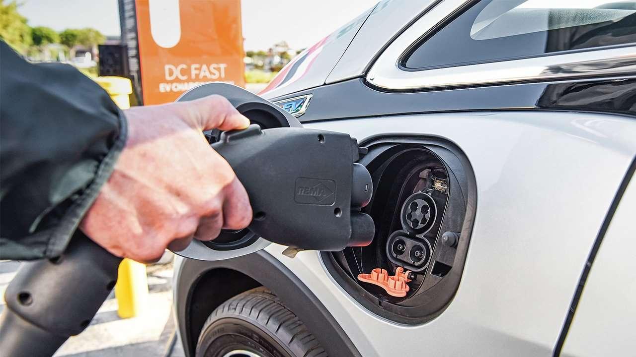 Порт зарядки Bolt EV