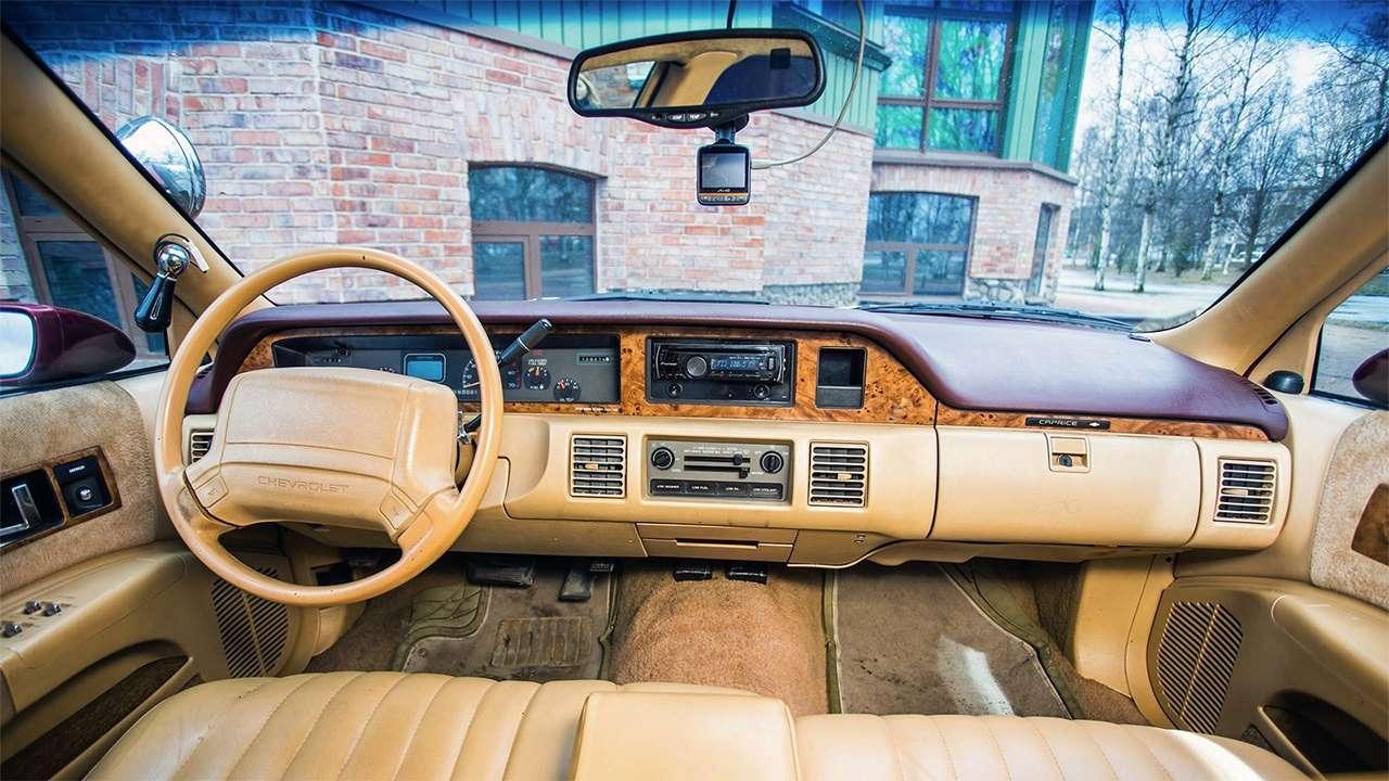 Фото салона Chevrolet Caprice IV
