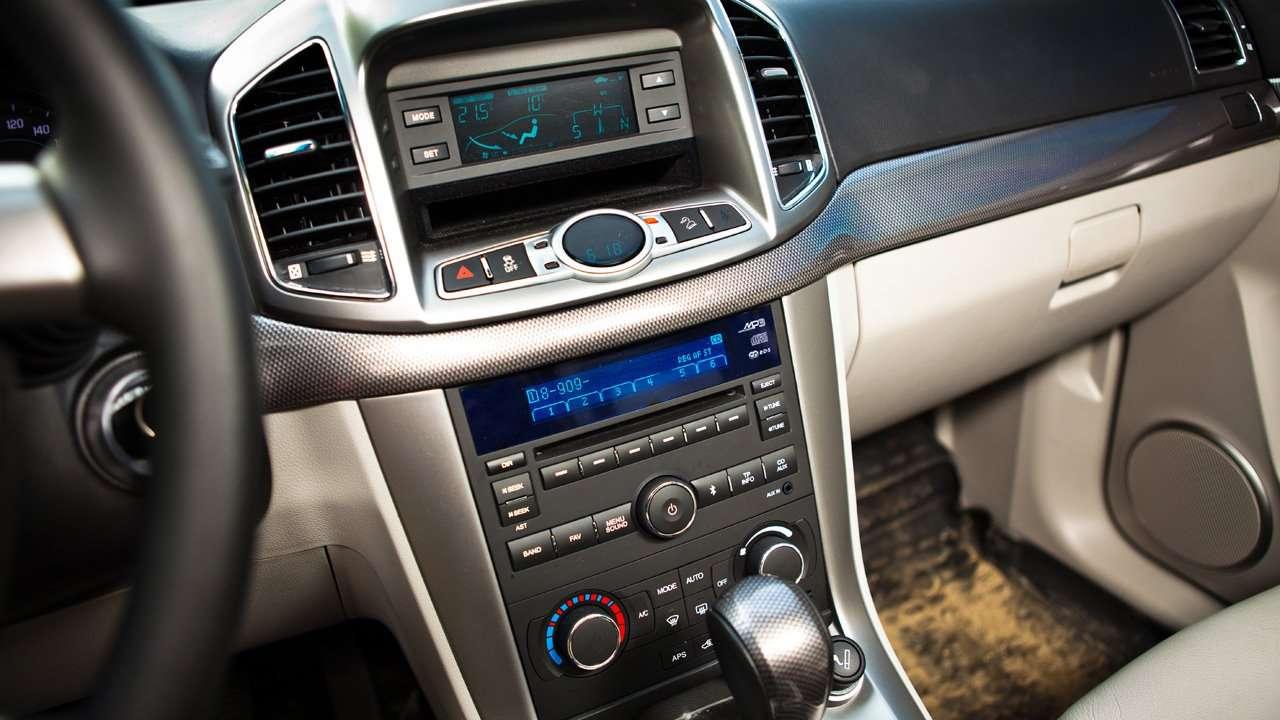 Chevrolet Captiva 2016-2017 центральная консоль
