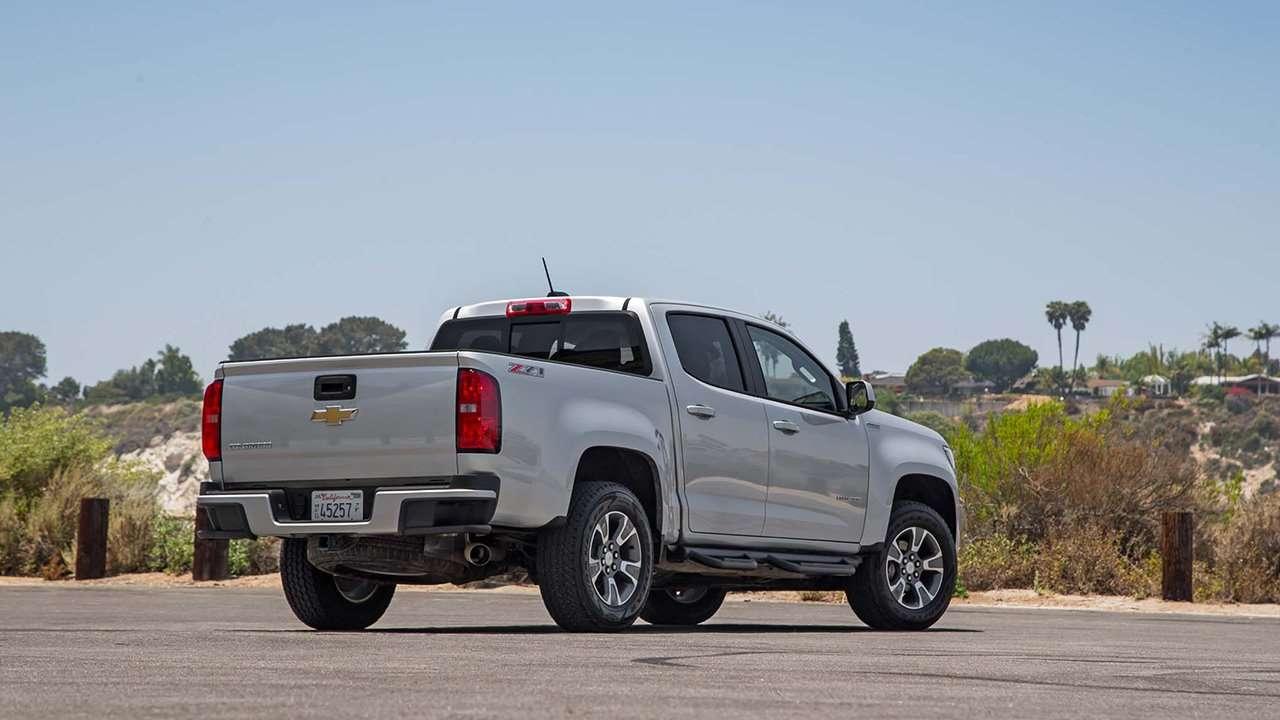 Chevrolet Colorado фото сзади