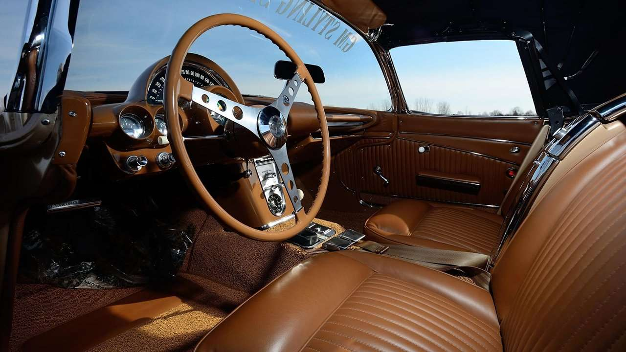 Интерьер Chevrolet Corvette C1 (1953-1962)