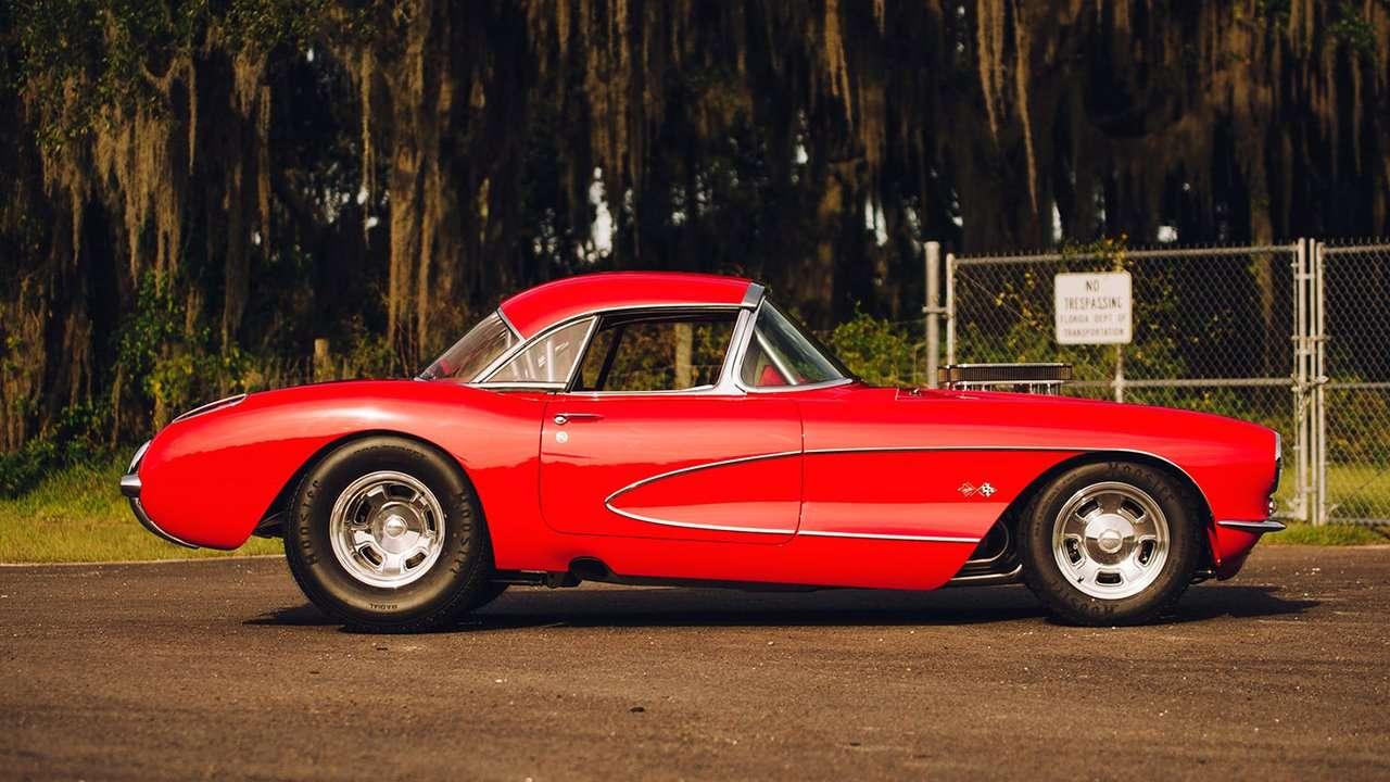 Боковая часть Chevrolet Corvette C1 (1953-1962)