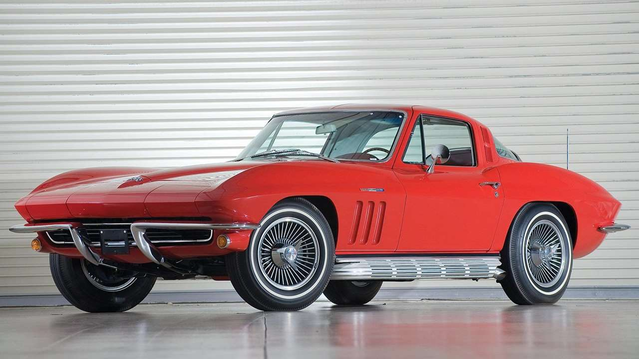 Передняя часть Chevrolet Corvette C2 Sting Ray (1963-1967)