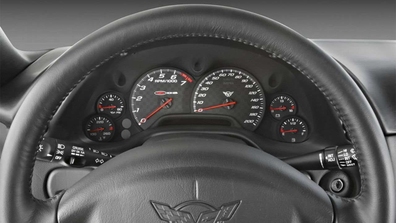 Панель приборов Шевроле Corvette C5
