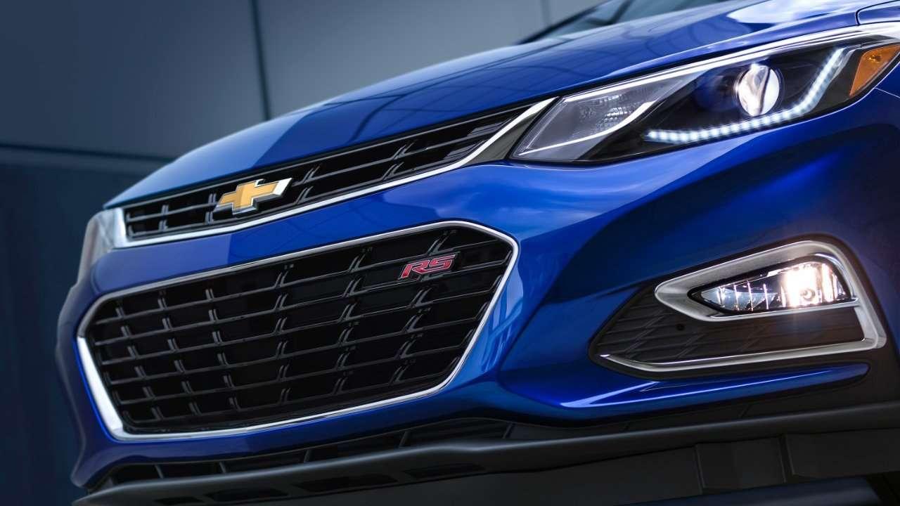 Chevrolet Cruze 2020-2021 передняя фара