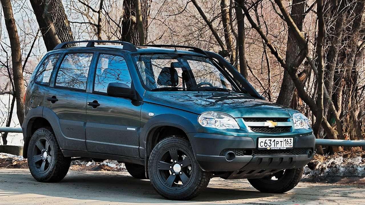 Chevrolet Niva фото спереди
