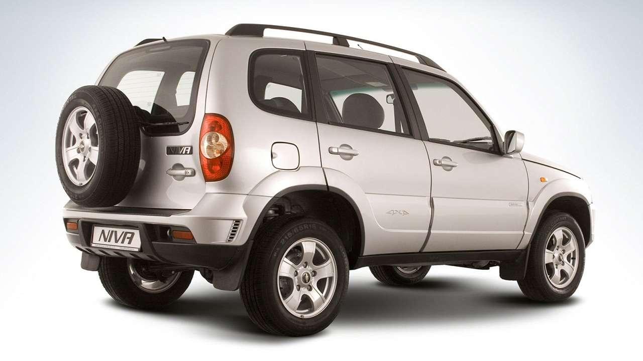 Chevrolet Niva фото сзади