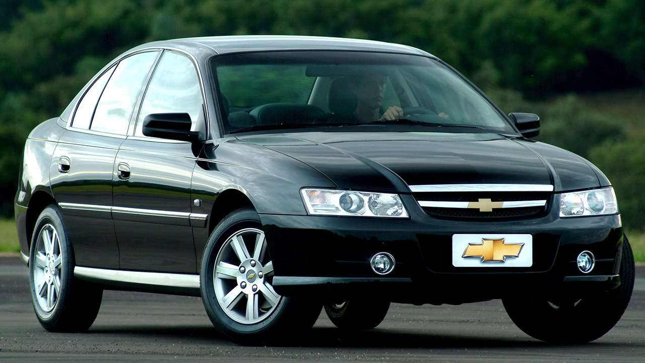 Chevrolet Omega B фото спереди