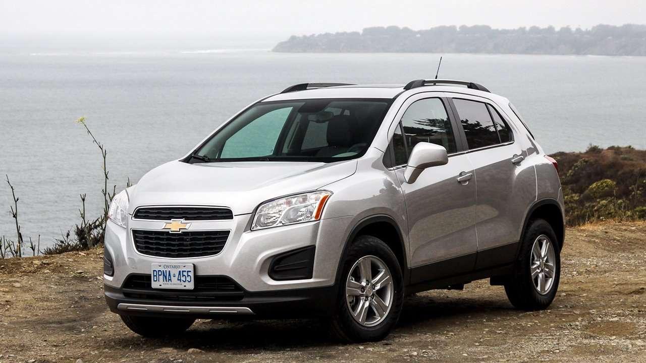 Chevrolet Tracker 2015-2016 фото спереди