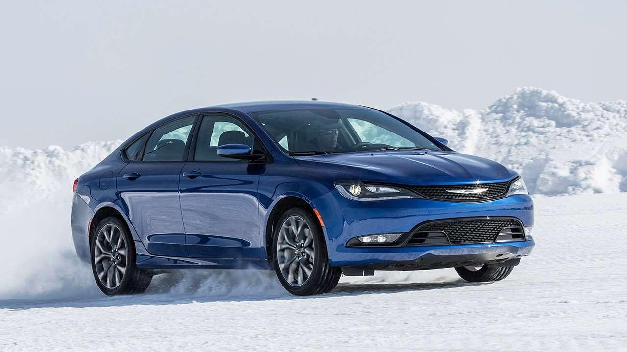Chrysler 200 2016 фото спереди