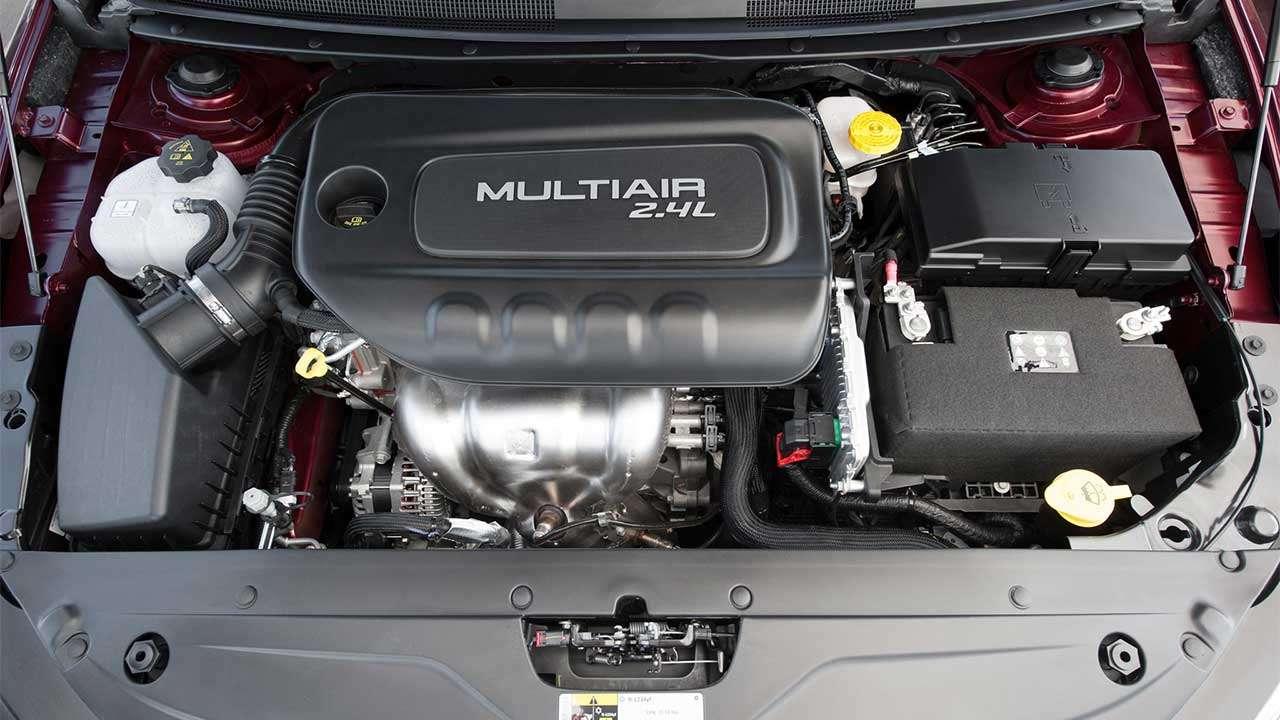 2,4-литровый мотор Крайслер 200