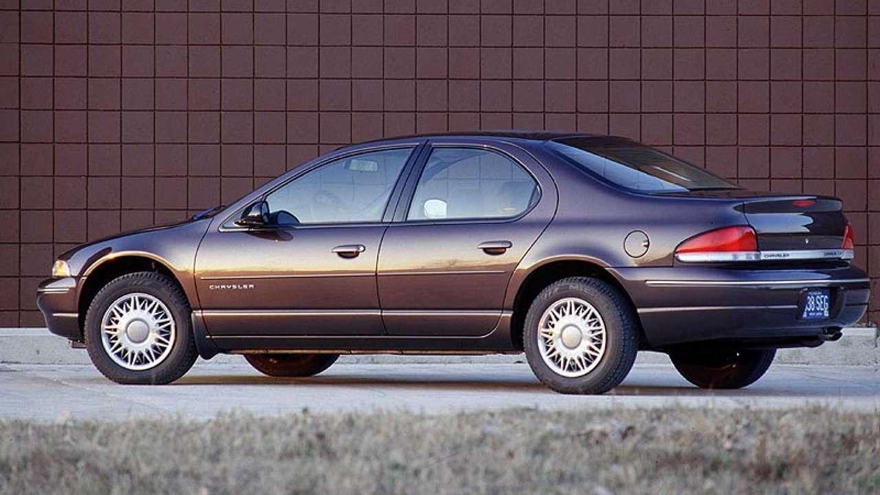 Chrysler Cirrus фото сзади