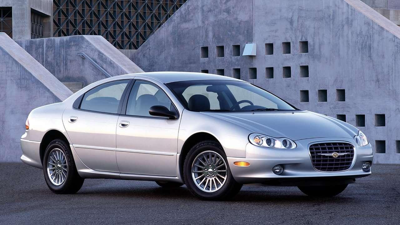 Chrysler Concorde фото спереди