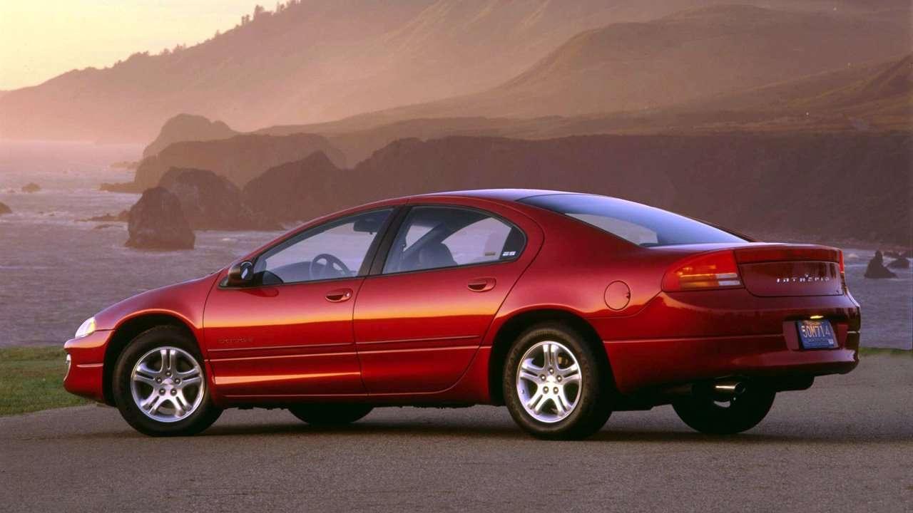 Chrysler Intrepid фото сзади