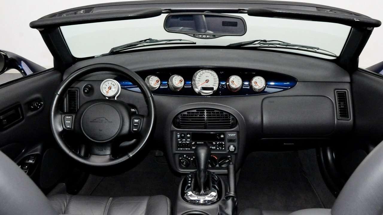 Интерьер Chrysler Prowler Roadster