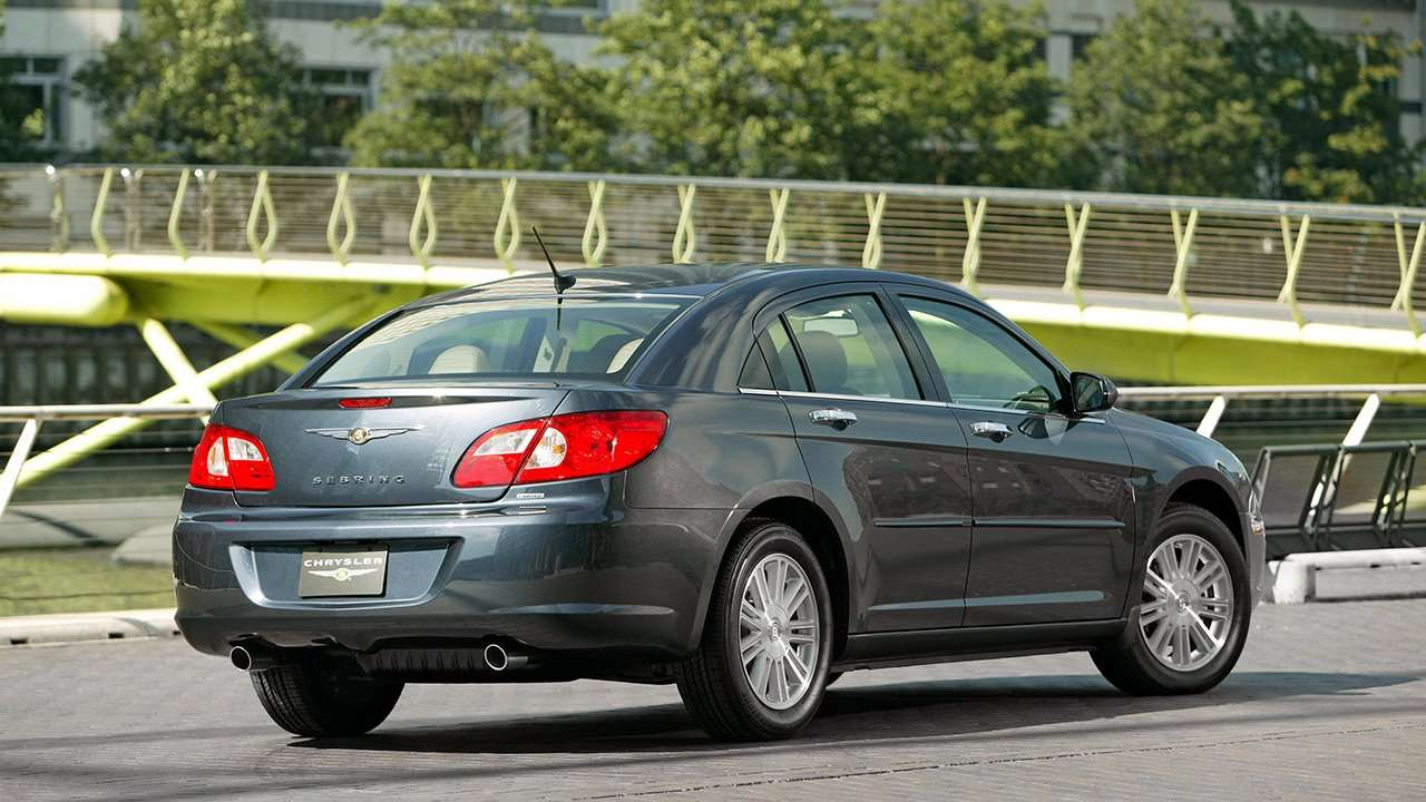Chrysler Sebring фото сзади