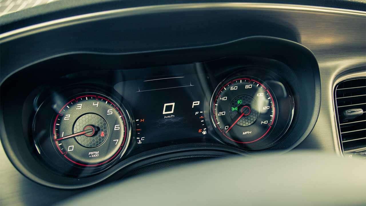 Панель приборов Dodge Charger 2020-2021
