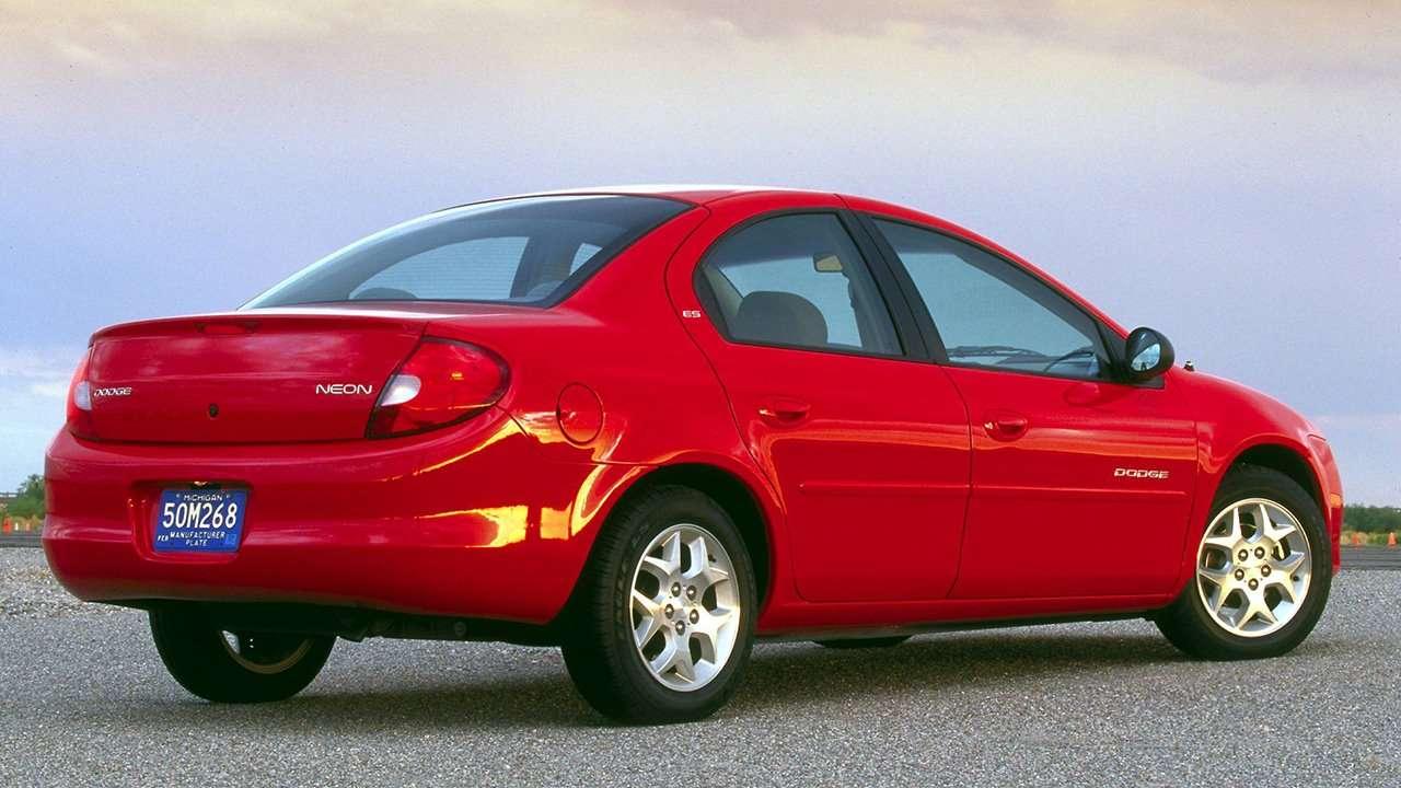 Dodge Neon 2003 фото сзади