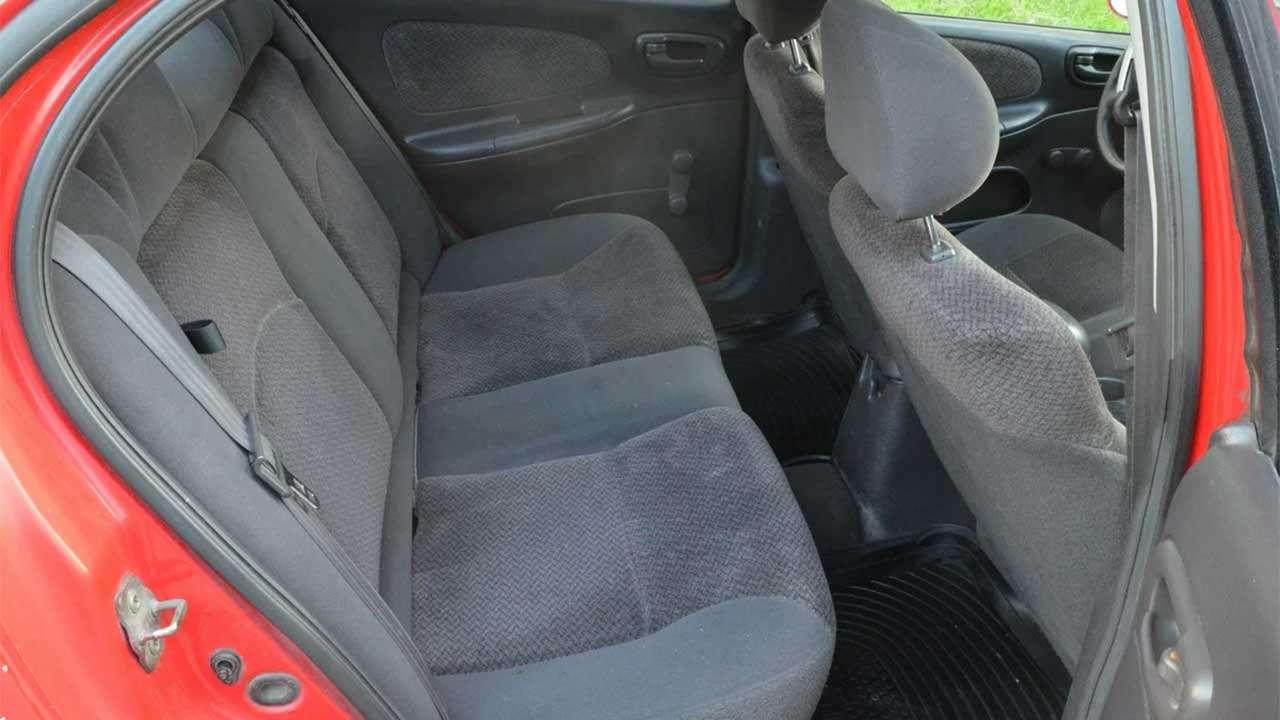 Задние сиденья Dodge Neon