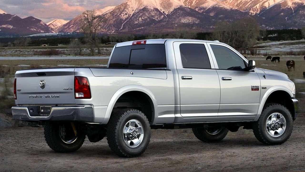 Dodge Ram 1500 (2009-2017) фото сзади