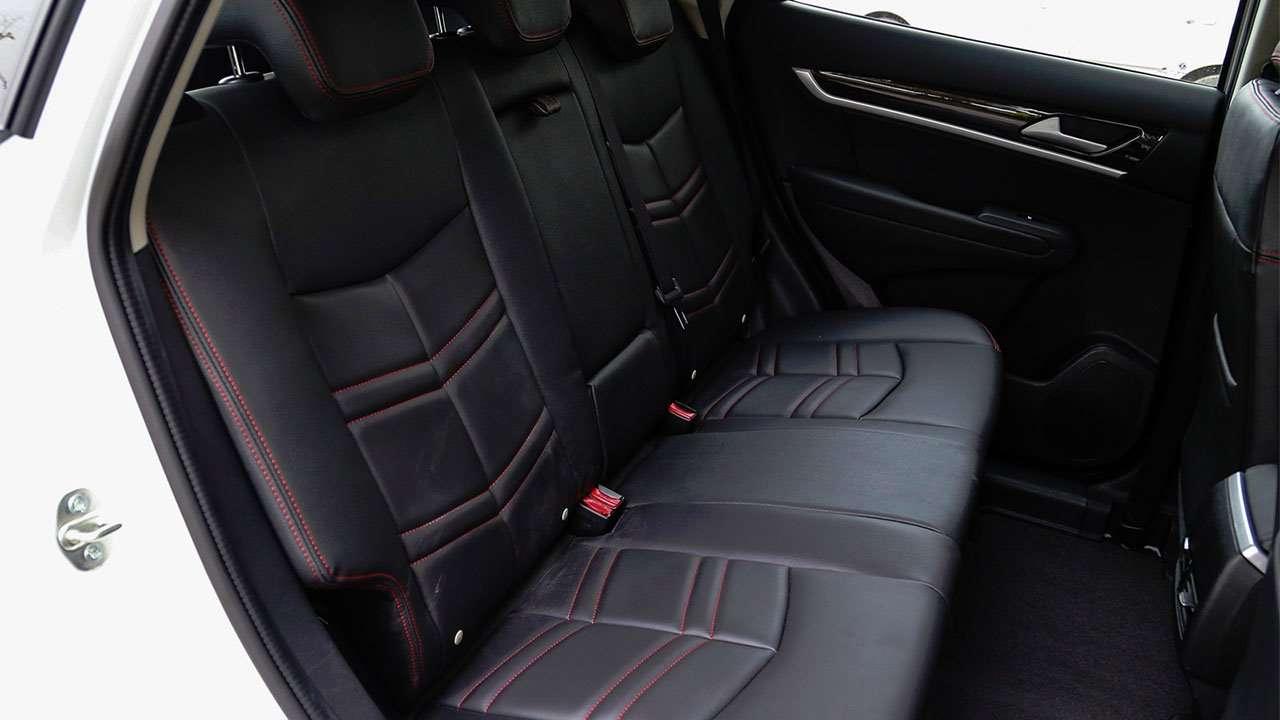 Задние сиденья DFM AX7