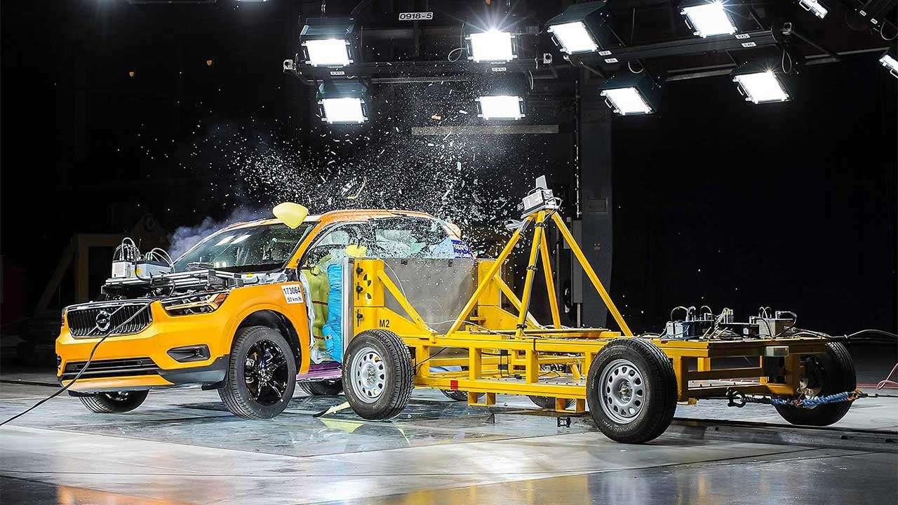 Тест безопасности Volvo