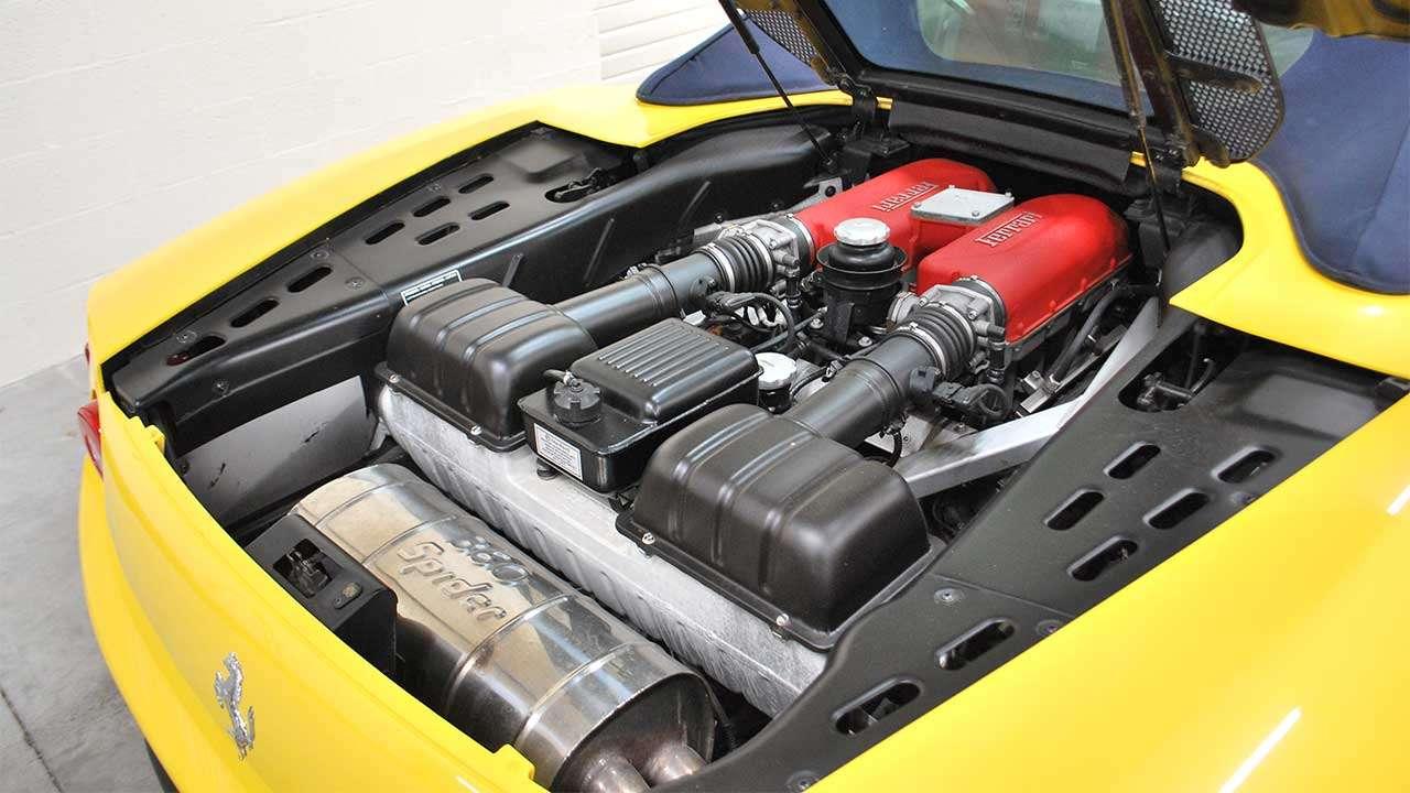 Фото двигателя Ferrari 360 Модена