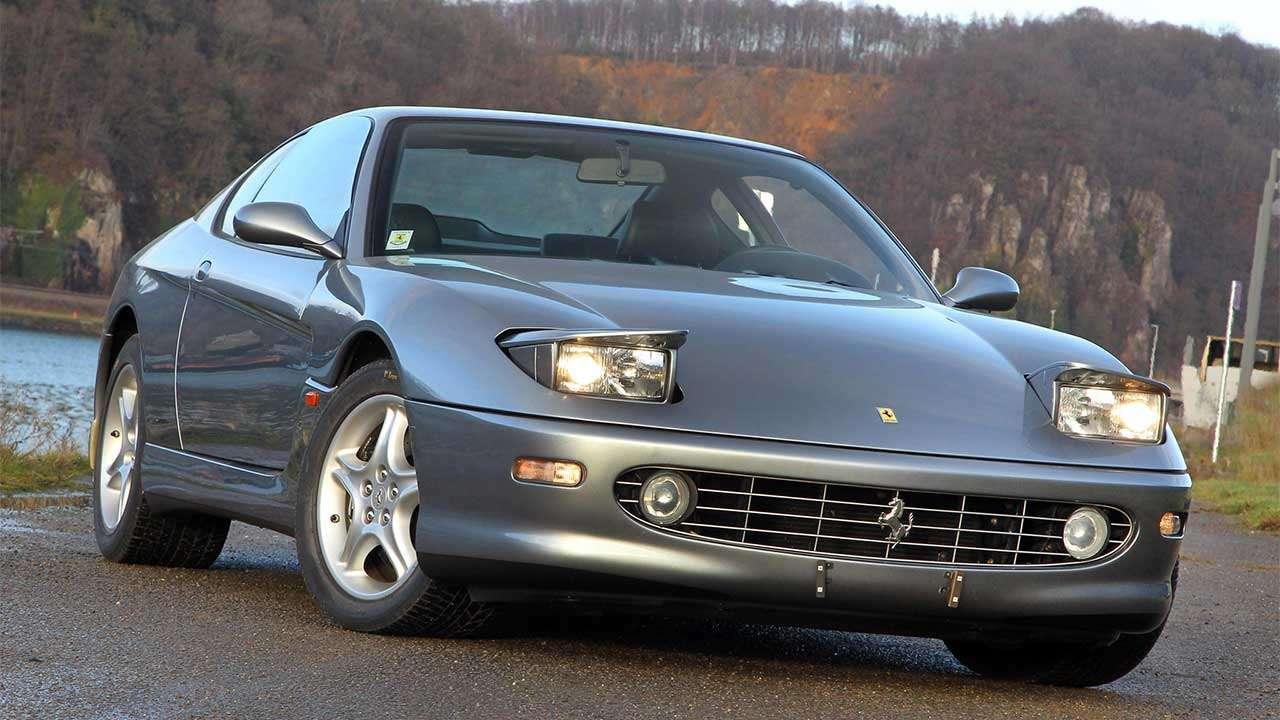 Ferrari 456 ГТ с открытыми фарами