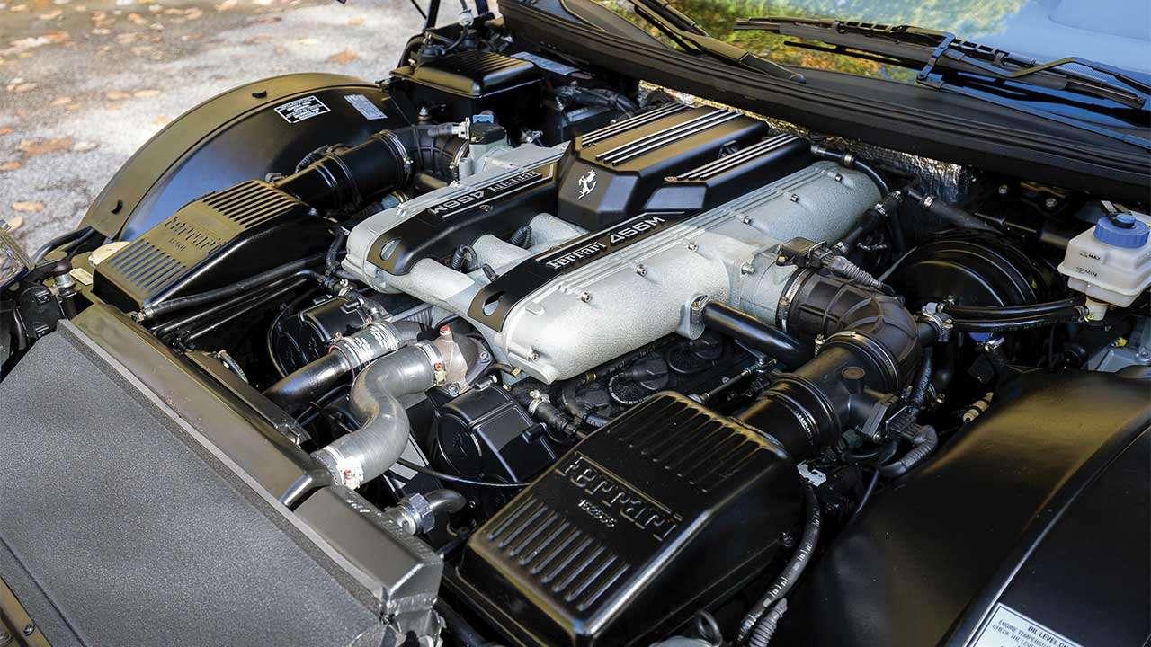 Фото двигателя Феррари 456 GT