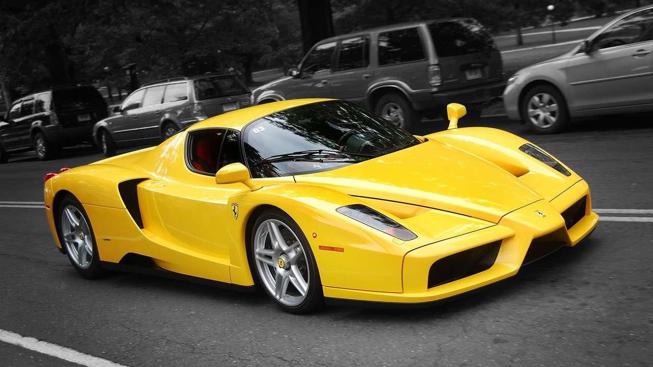 Ferrari Enzo фото спереди