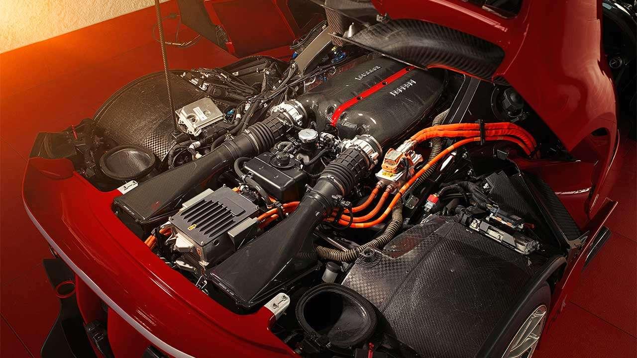 Фото двигателя Феррари FXX K