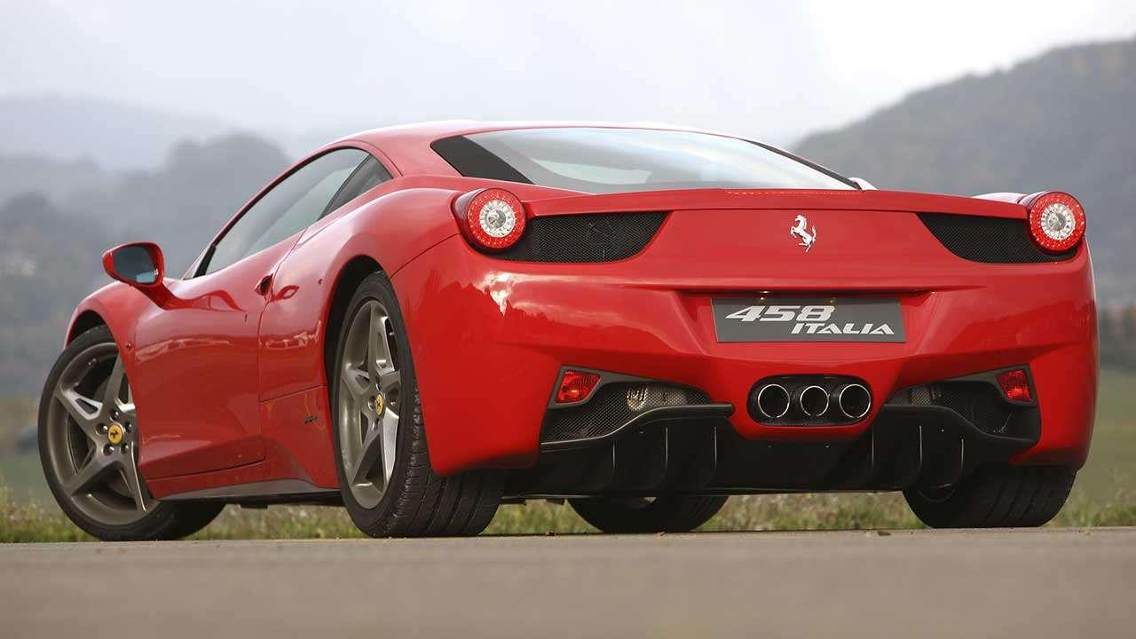 Ferrari 458 Italia фото сзади