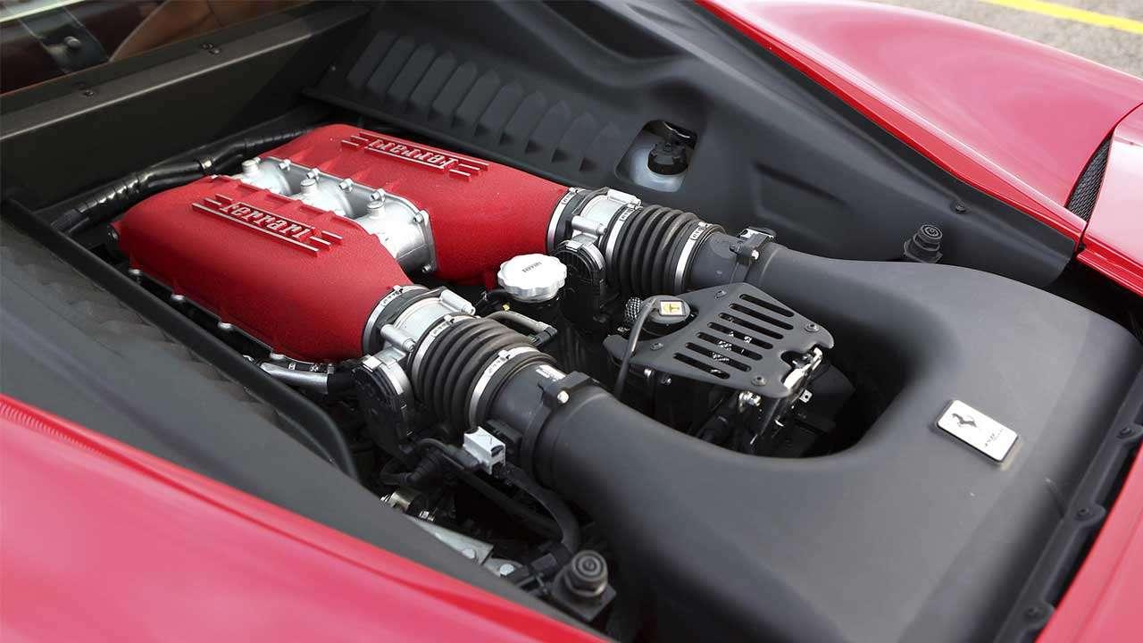 Фото двигателя Ferrari 458 Италия