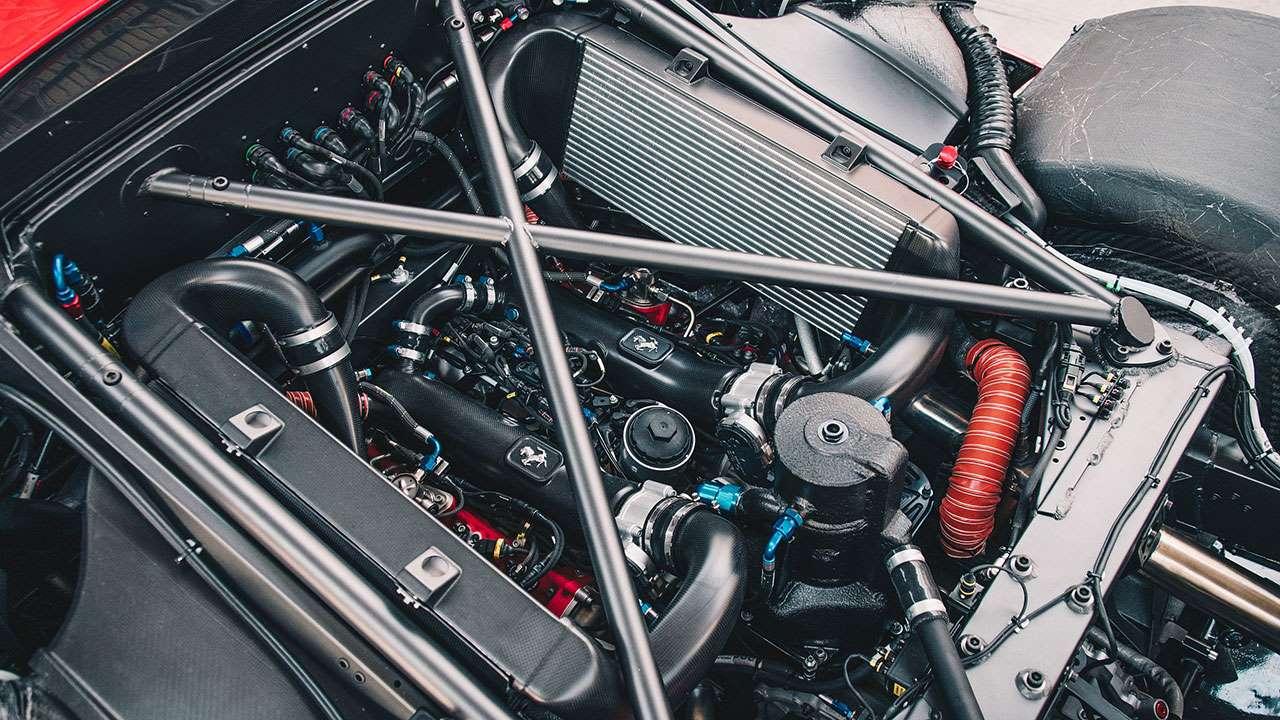 Фото двигателя Ferrari P80/C
