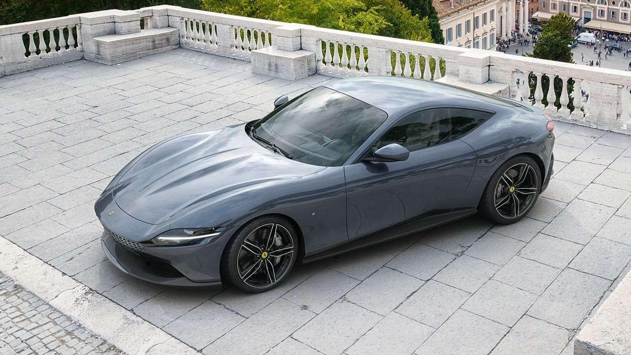 Ferrari Roma фото спереди